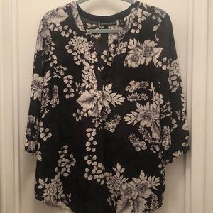 Black Floral 3/4 Sleeve Top
